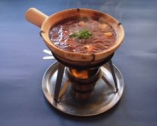 鴨川麻婆豆腐・店内では土鍋で提供中