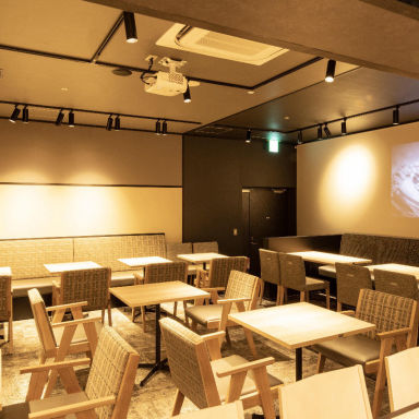 ITADAKIMASU FOOD HALL なんばスカイオ 店内の画像