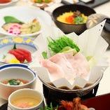 料理長が工夫を凝らして作り上げる日本料理をご堪能いただけます