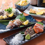 舞鶴漁港直送の旬の鮮魚、丹波地鶏の鶏せせり、厳選食材を使用