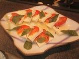 和とイタリアンの融合! チーズ豆腐のカプレーゼ!