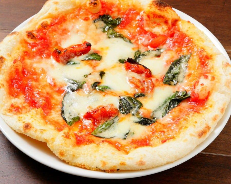 7種の絶品ピザ食べ放題コースあり
