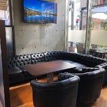 【半個室ソファ席】 カーテン仕切りの半個室VIPソファ席☆