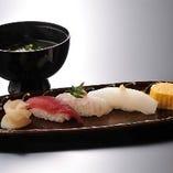 8000円コースから〆はお寿司です!
