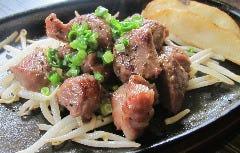 黒豚ほほ肉のサイコロステーキ