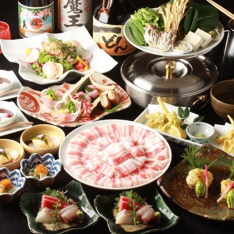 季節を大切にしたコース料理は毎月内容が替わります。