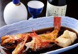 キンキ、メバル等、その日目利きした魚の煮つけは絶品と大好評!