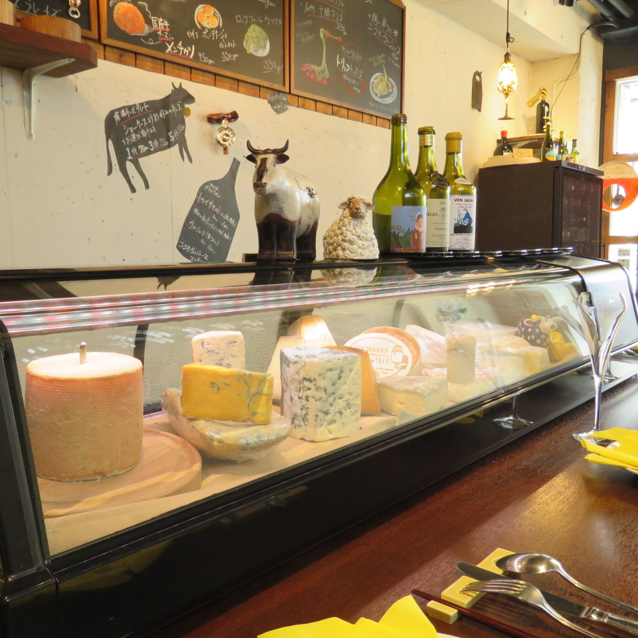 ◆上質&多彩なチーズが並ぶ専門店