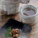 日本酒に合う珍味も豊富に取り揃えております