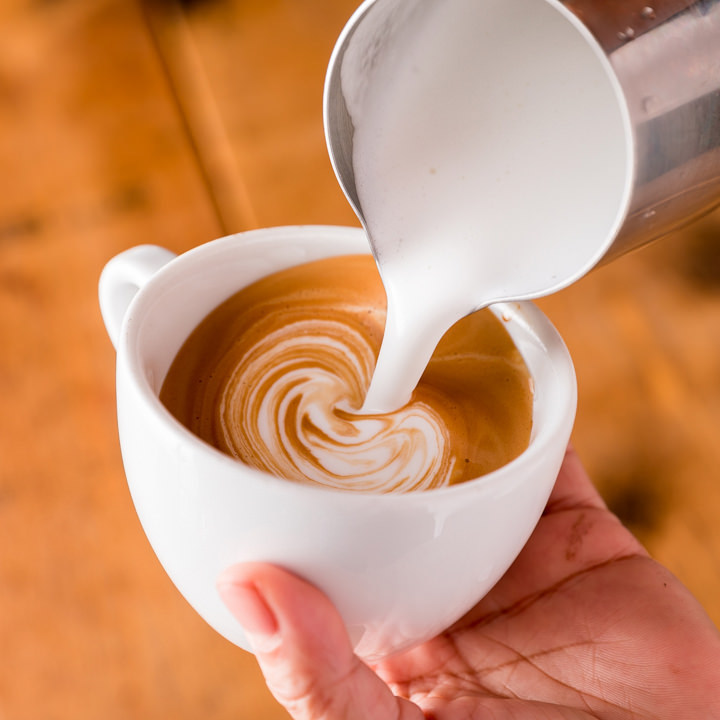 食後の一杯に、心やすらぐカフェタイムはいかがですか♪