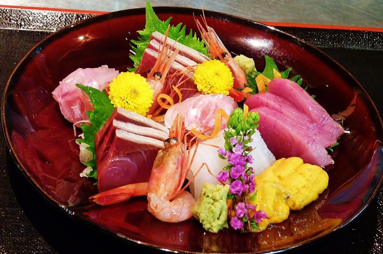 新鮮魚介のお刺身をご堪能ください