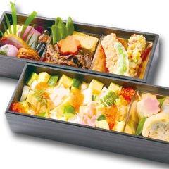 すみれ(海鮮ちらしと国産牛すき焼き膳)