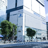 上野のパルコヤ6階にありますのでJRや地下鉄が近くアクセス良好