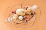 人気デザートのホットクはアイスと共に…