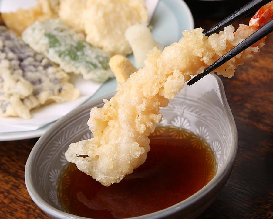 サクサク天ぷら、鮪カマ焼等名物料理