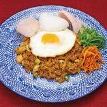 ■選べるアジアン麺飯