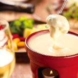 大人気!3種類をブレンドした特製チーズフォンデュ♪【北海道】