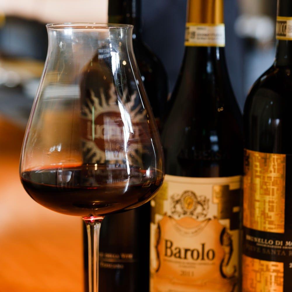 イタリア産のワインのみを取り揃えております