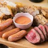 肉居酒屋が提供する「肉盛りプレート」は大人気&オススメ!
