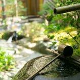 《季節を映す中庭》 それぞれのお部屋よりお楽しみいただけます