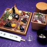 幕の内弁当と京会席料理は、仕出しも承っております
