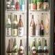 いろいろ日本酒、色とりどりの梅酒、果実酒あります