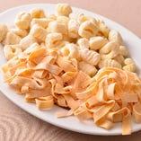 独特のモチモチした食感と小麦の風味が特徴の手打ちパスタ