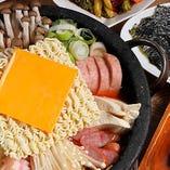 韓国もつ鍋やプデチゲなど多彩な韓国鍋を満喫できます