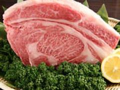 特製ダレで網焼き、厳選国産和牛です