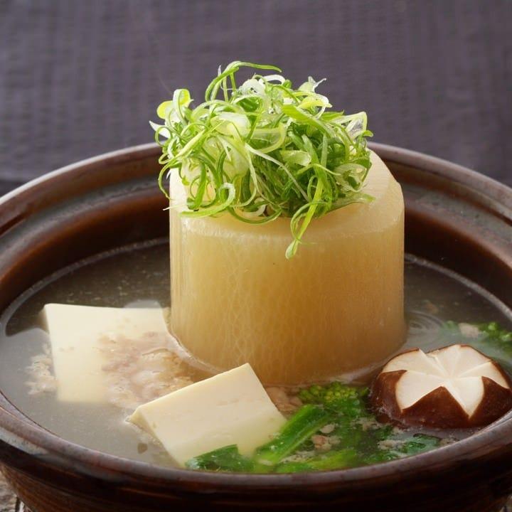 素材各々の味を大切に生かした和食は、どれも味わい深い逸品。