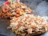 玄米粉入「ふわふわのお好み焼」 ゆで麺使用「もちもち焼そば」