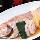 魚の煮つけ・他、刺身などもございます。
