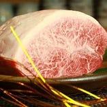 和牛のステーキ1760  円。他、肉料理も豊富にご用意