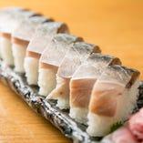 《サバの棒寿司》 当店名物の1つ!ハーフサイズもございます