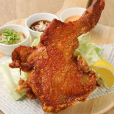 ジューシーな菜彩鶏の「皇帝ザンギ」