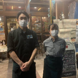 【2】お出迎え・・・スタッフがマスクを着けて「いらっしゃいませ」
