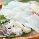 北海道物産に来たら一度は食べて欲しい。。泳ぎイカ