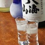 すべてのコースに飲み放題付!日本酒も全10種類 越乃寒梅、九頭竜(黒龍酒造)、くどき上手ばくれん(吟醸)、北の誉、千歳鶴、国士無双(特別純米) 吟風国稀(純米)、北の錦まる田(特別純米)、二世古(特別純米)、男山(生酛純米)
