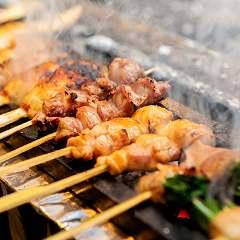 自慢の焼き鳥やもつ鍋、一品料理もデリバリー致します!