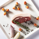 【素材】 信用のおける狩猟者から買い付ける選りすぐりのお肉