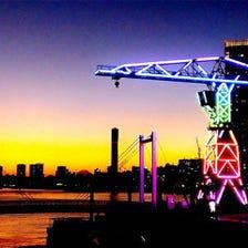 東京湾を望むテラスでビアガーデン