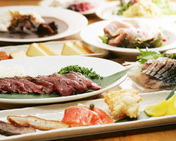 コース料理 3500円~ 飲み放題付きもございます。