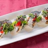 和歌山産鮮魚のポワレとイカスミのチュイール