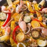 魚介と彩り野菜のパエリア