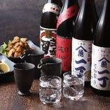 自慢の鮮魚に合うのはやはり日本酒!相性抜群の地酒を取り揃え。