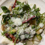 季節の野菜を色々な調理法でサラダ仕立てに