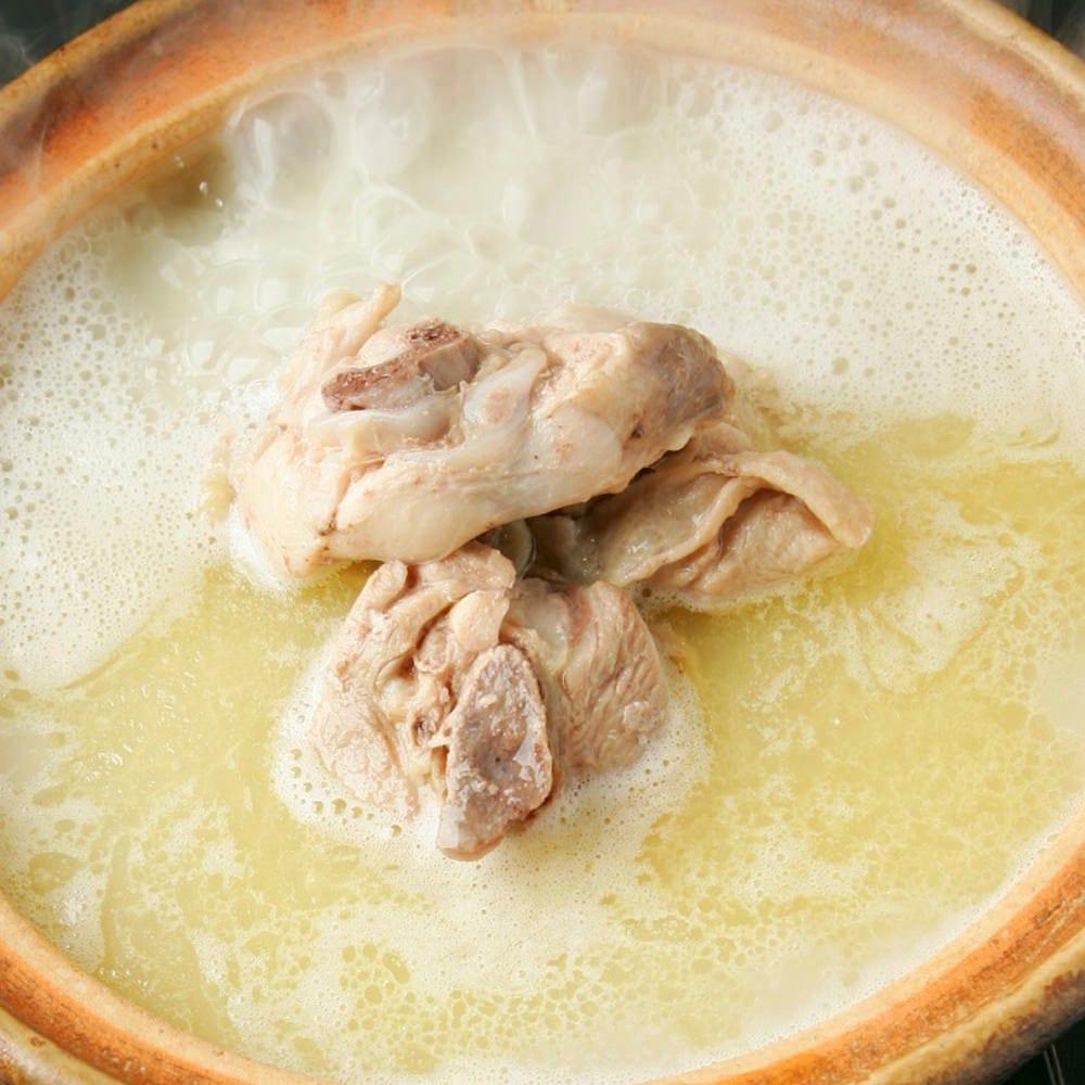 【濃厚な白濁鶏ガラスープ】水炊き鍋