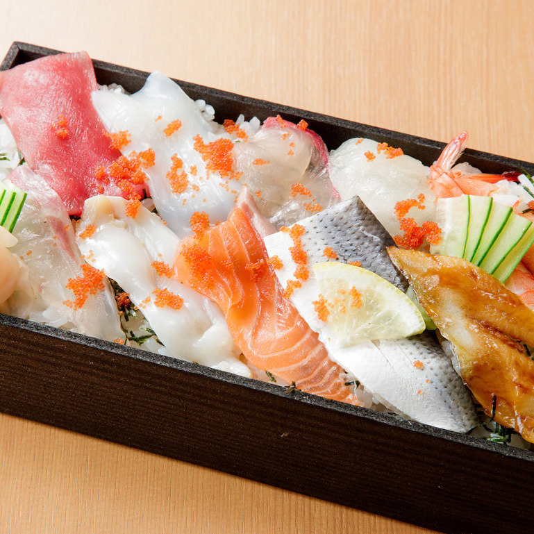 海鮮弁当 1,060円(税込)