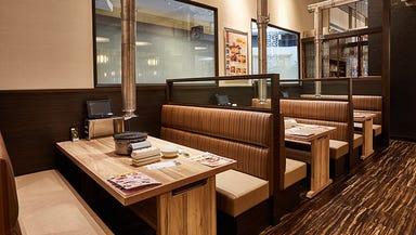 日暮里食肉問屋 焼肉おもに亭 越谷レイクタウン店  店内の画像