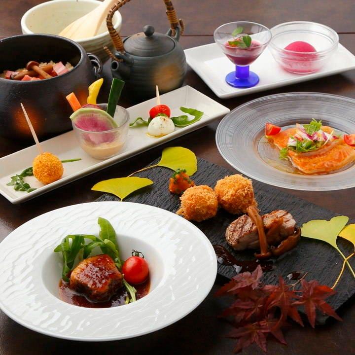 ランチとディナーで様々なコースをご用意致します。